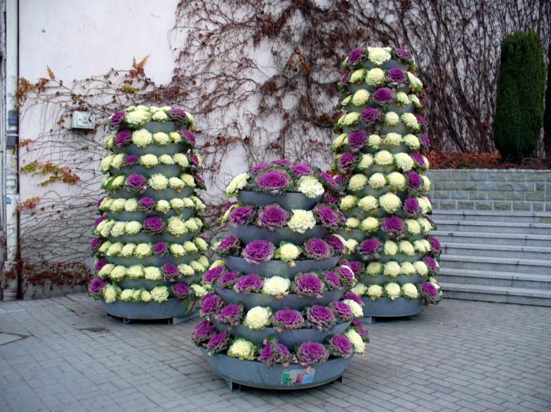 jesienna aranżacja wież kwiatowych