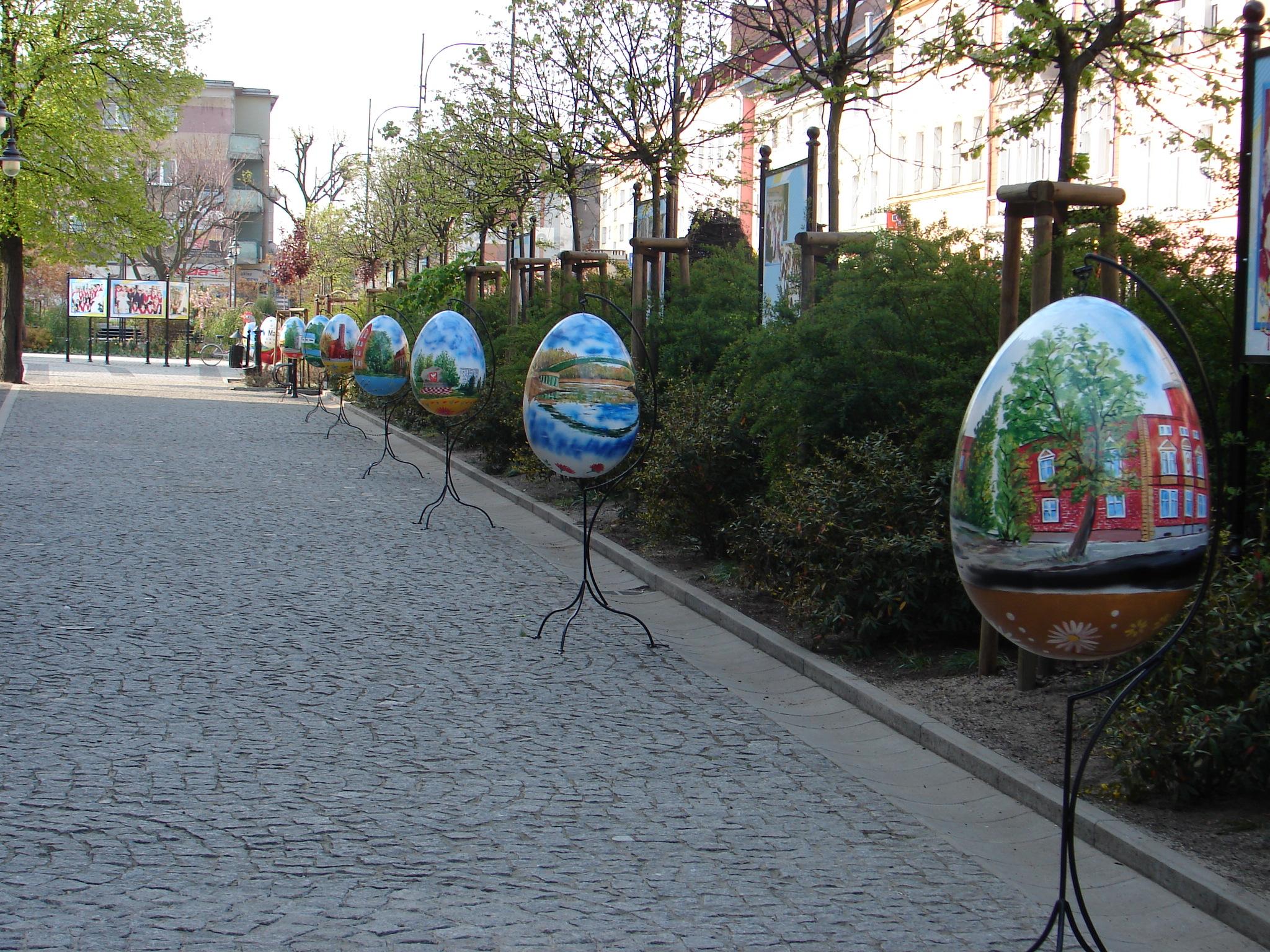wielkanocne ozdoby dla miast