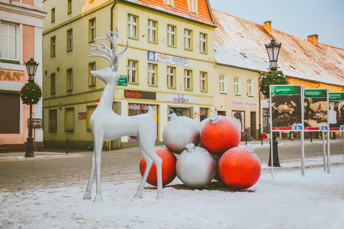 rudolf wielkie bombki świąteczne dekoracje dla miast
