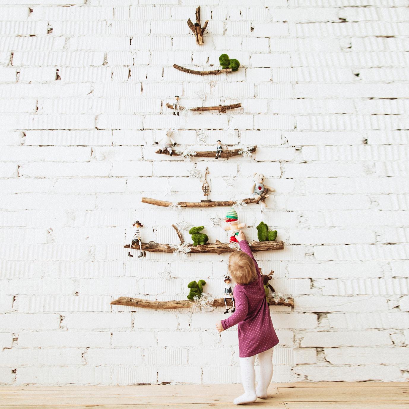 Świąteczne drzewko bezpieczne dla dziecka (2)