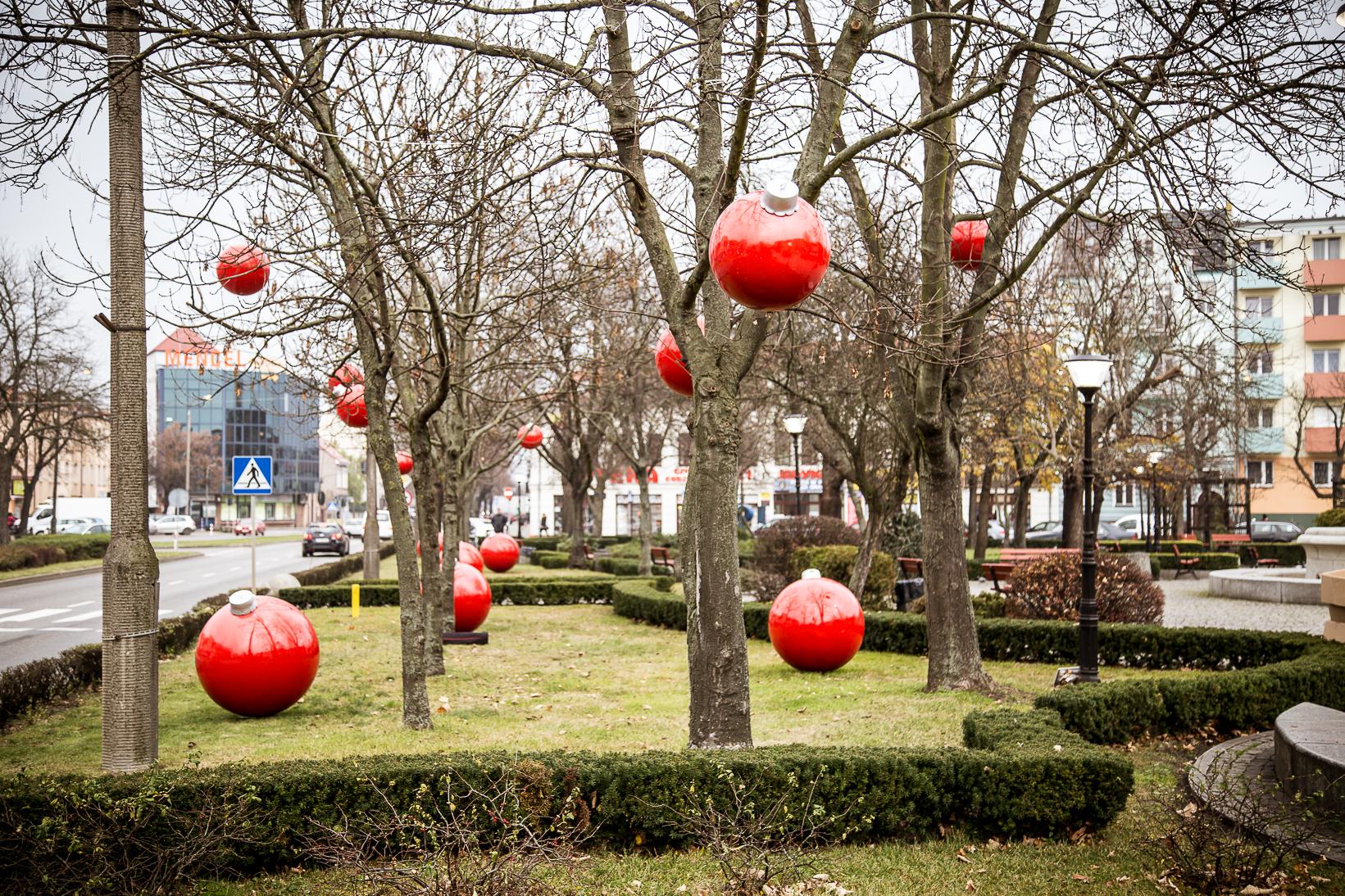 świąteczne dekoracje miejskie terrachristmas bombki xxl słubice