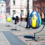 Sztuka wielkanocnego dekorowania miast, czyli Jaja wKórniku
