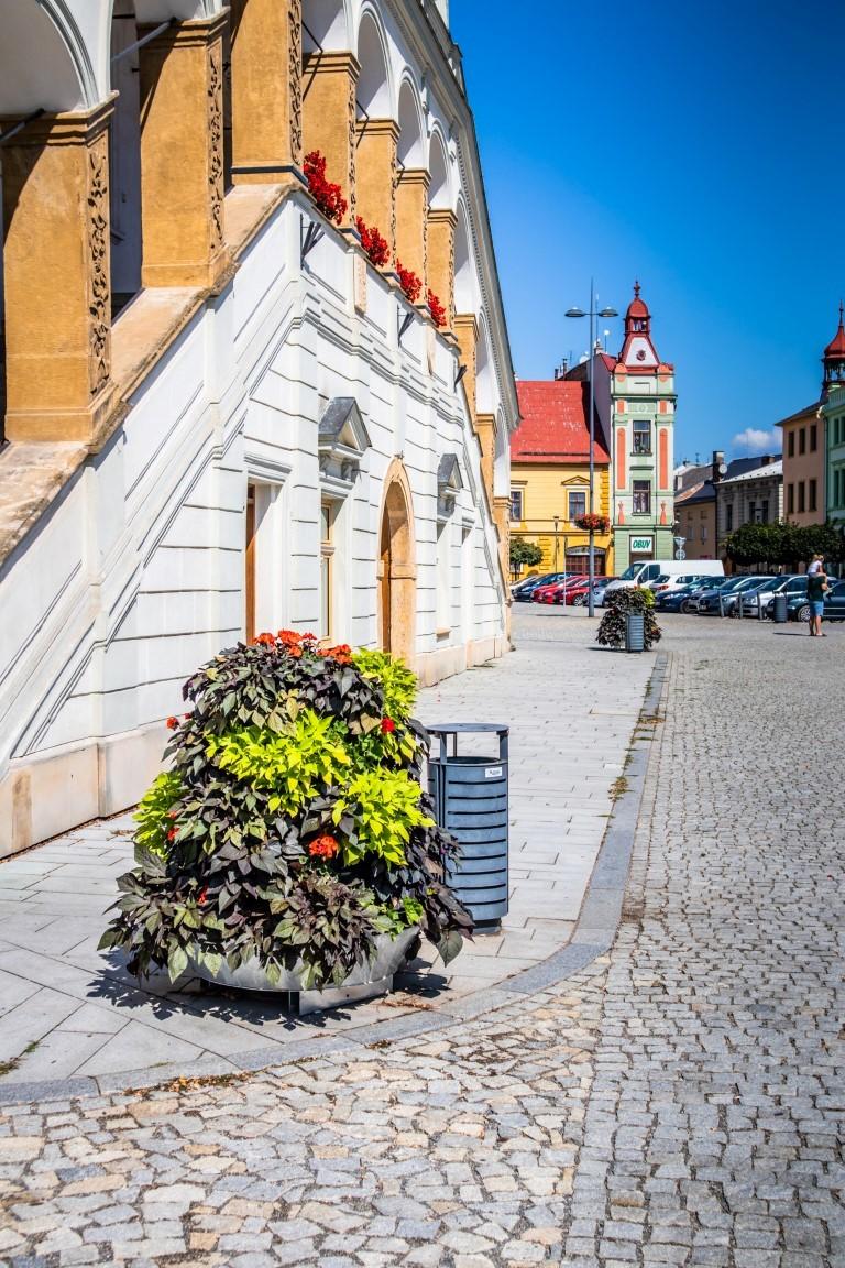 wieże kwiatowe kwietniki miejskie ukwiecenie miasta terra group 19
