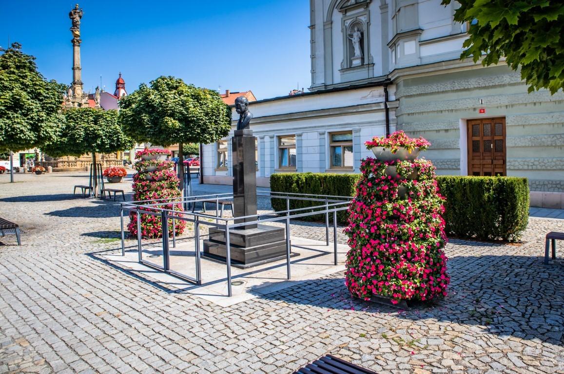 wieże kwiatowe kwietniki miejskie ukwiecenie miasta terra group 28