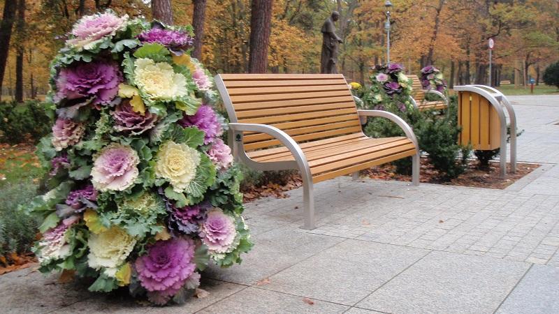 jesienna ozdoba wież kwiatowych