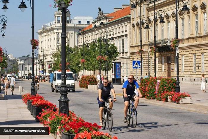 wieże kwiatowe - Warszawa