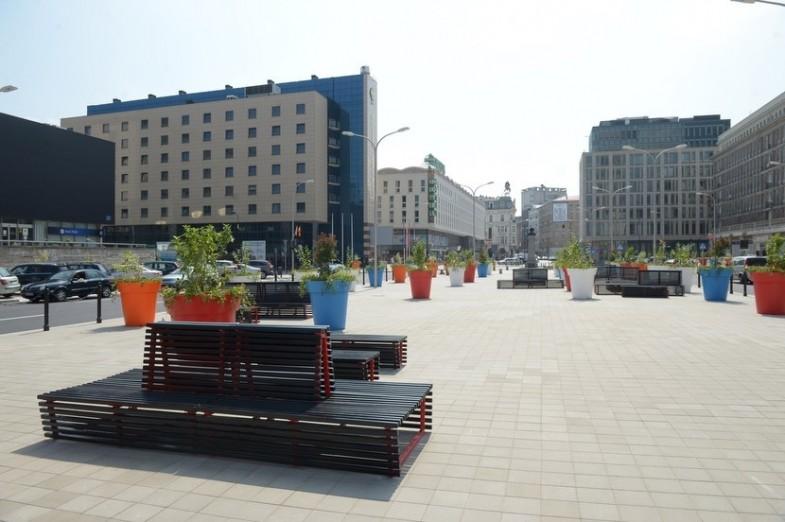 plac powstańców Warszawy donice miejskie