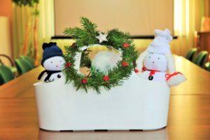 Jak stworzyć świąteczny stroik?