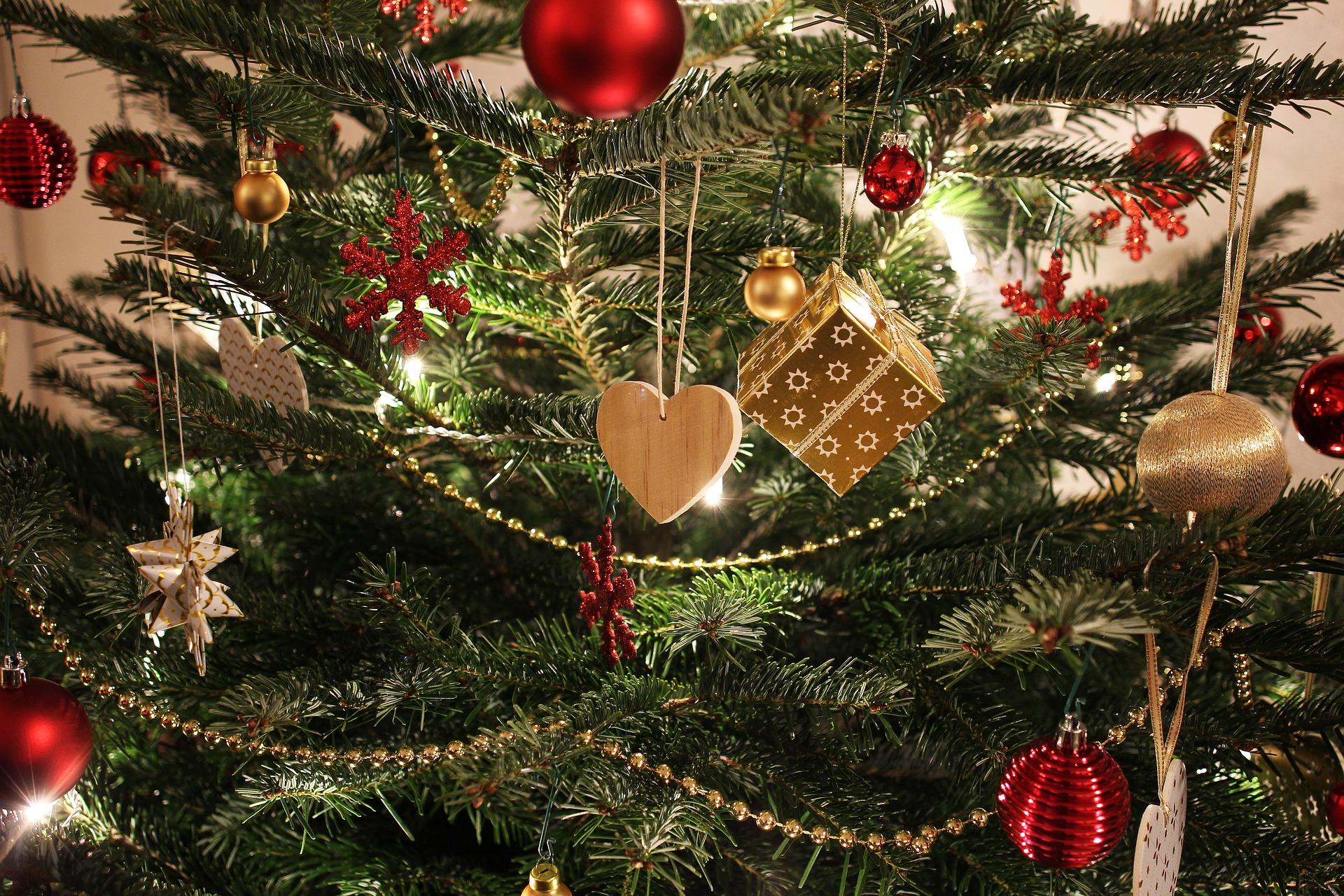 Świąteczne drzewko bezpieczne dla dziecka