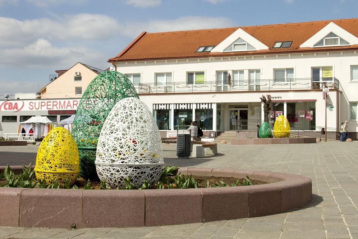 wielkanocne dekoracje ażurowe jaja terraeaster