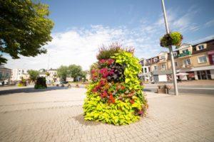 ukwiecenie grodziska mazowieckiego skrzynie kwiatowe wieże kwiatowe (8)