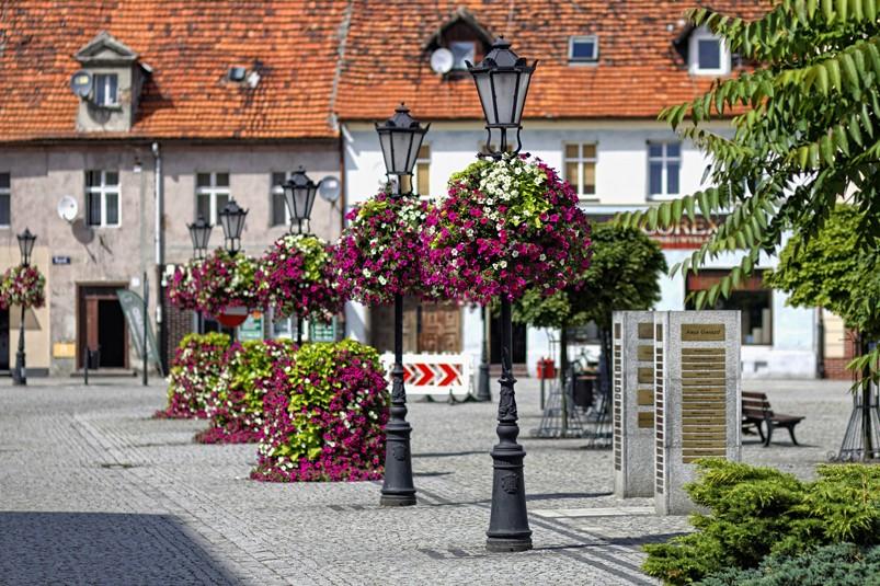 wieże kwiatowe w600 h1200 milicz terra group kwietniki (1)