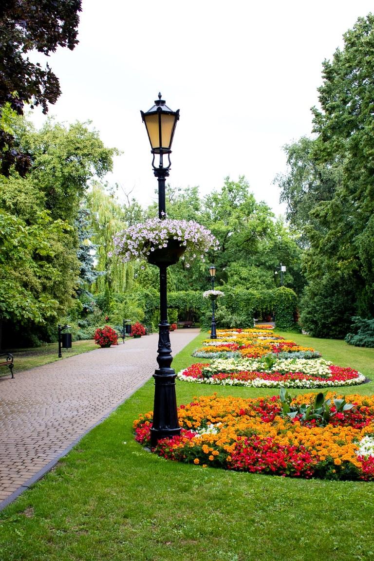 ukwiecenie grudziadza wieże kwiatowe donice miejskie 1