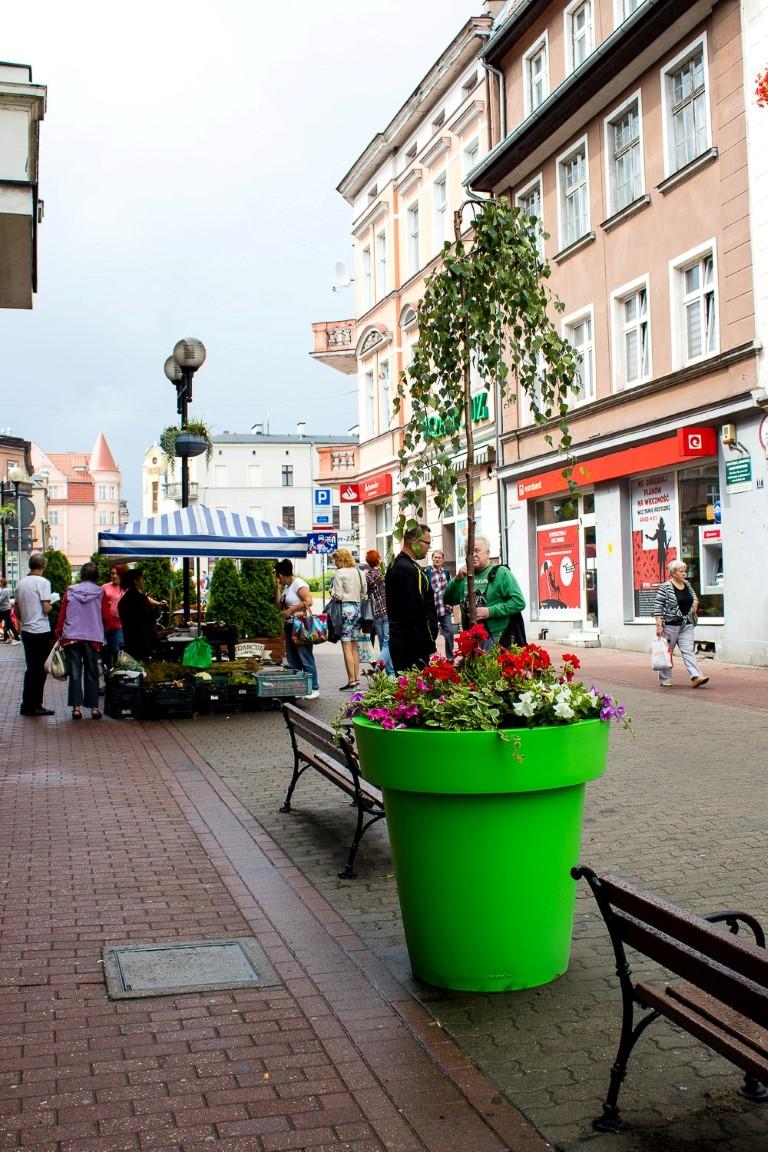 ukwiecenie grudziadza wieże kwiatowe donice miejskie 9