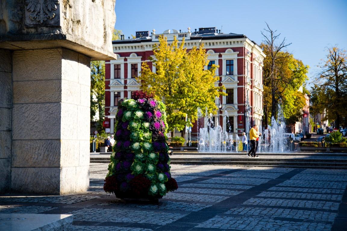 jesienne wieże kwiatowe ukwiecenie miasta jesienią kwietniki na jesień 4
