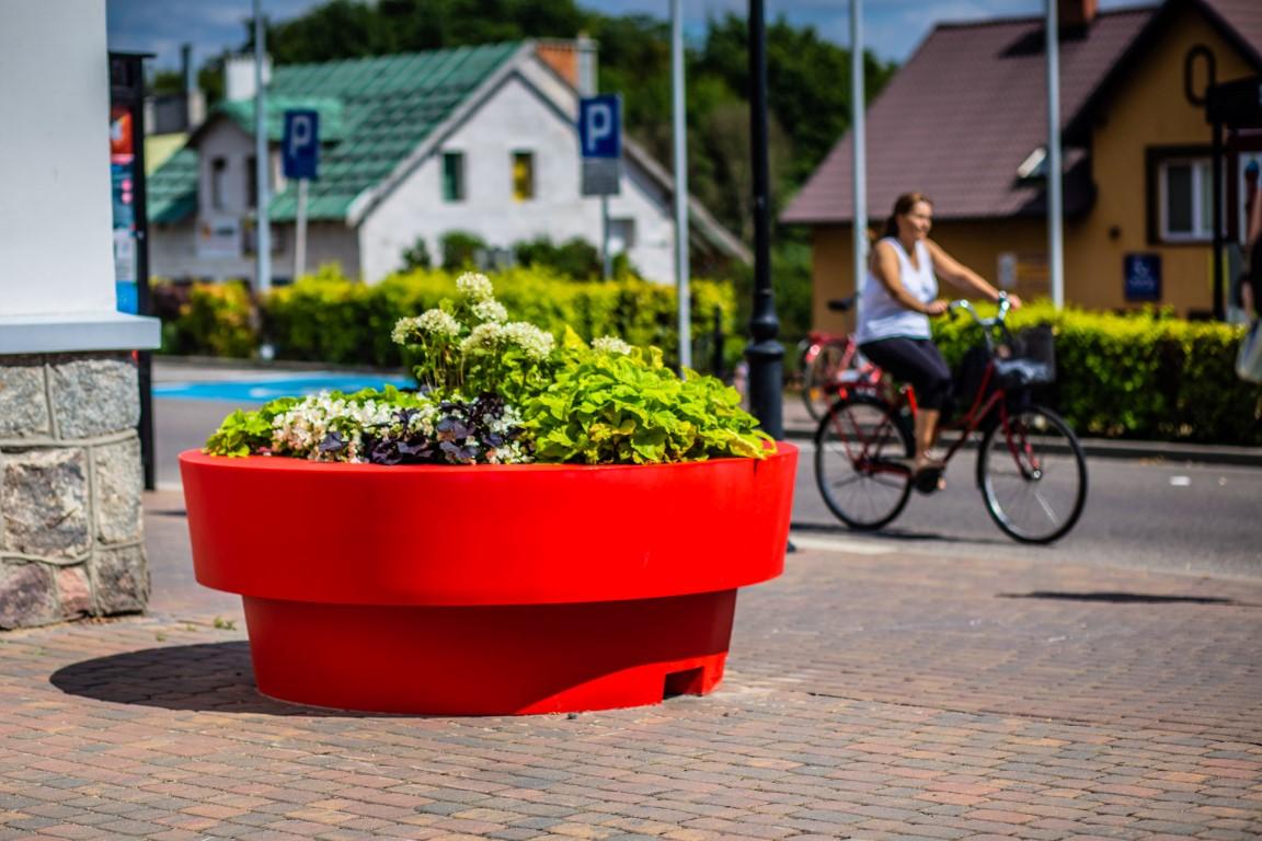 Zielony Człuchów – donice miejskie przed Urzędem Miasta