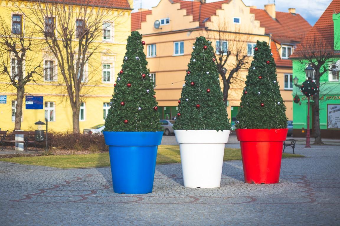 Bożonarodzeniowe dekoracje miejskie nakładki donice terrachristmas chocianów