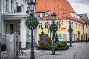 świąteczne-dekoracje-miejskie-nakładki-na-kwietniki